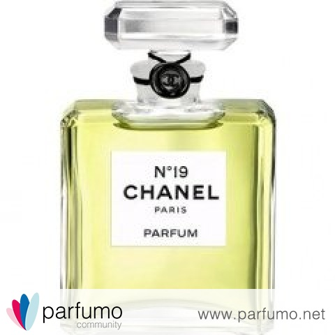 N°19 (Parfum) by Chanel