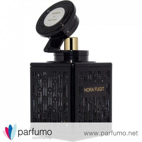Hora Fugit by Atelier Flou